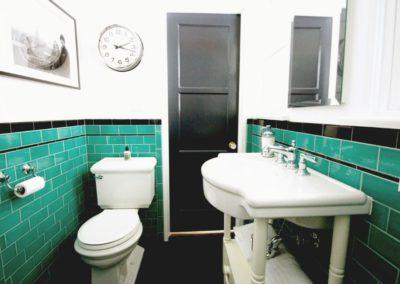 Pasadena House – Green Bathroom