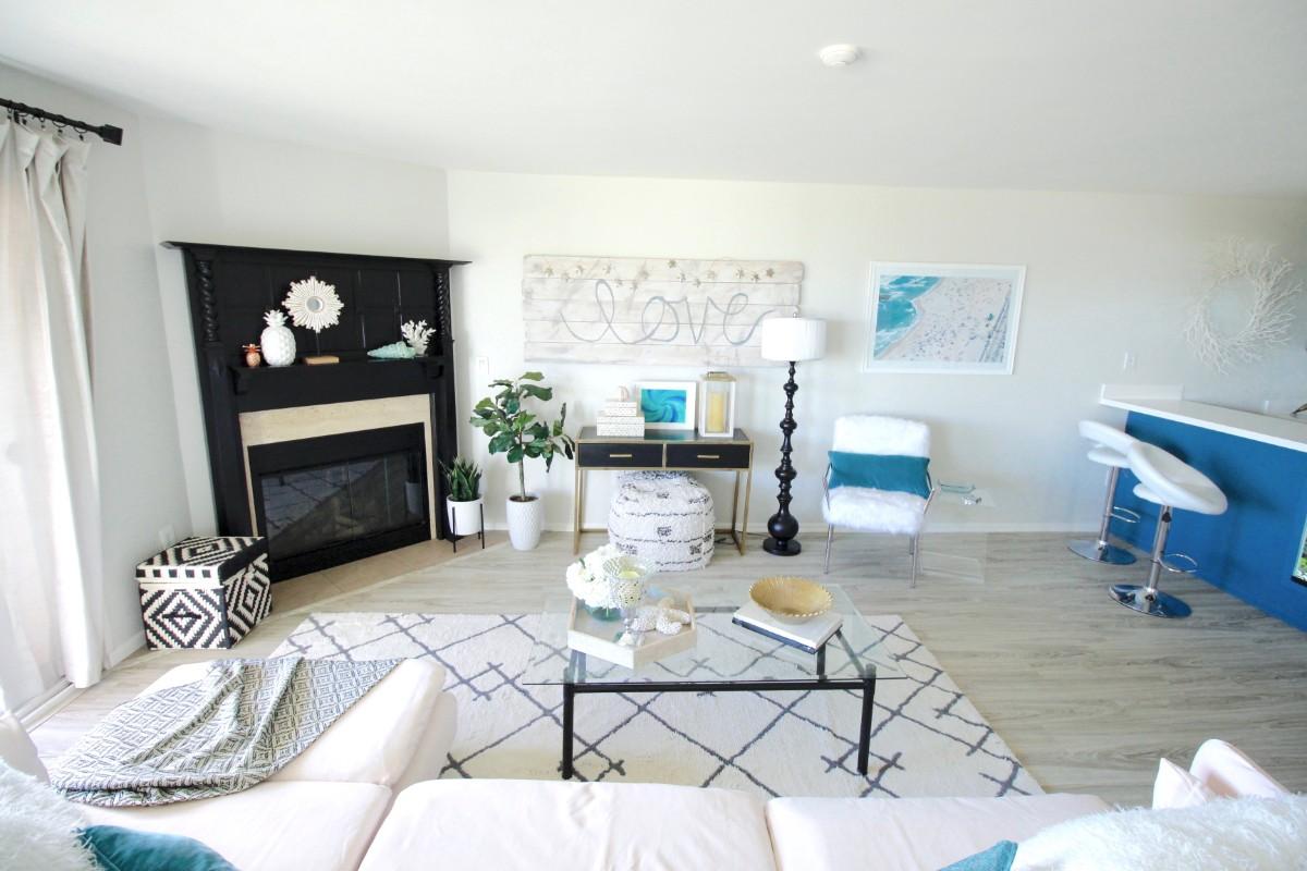 HGTV Beach Chic instant living room - Marilynn Taylor DIY Design Coach