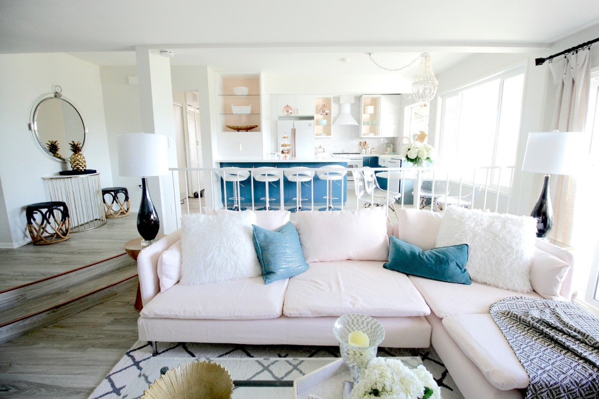 29 Living Room Design Ideas With Photos: HGTV Beach Chic Instant Living Room